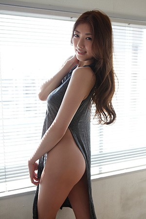 akuzawayuno23.jpg