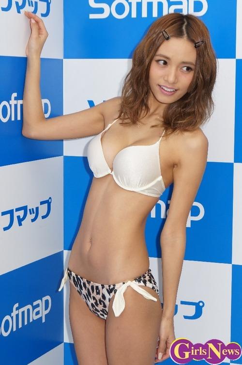 koizumiazusa11.jpg